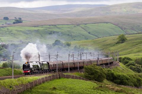 Путешествуйте поездами: романтика и красота путешествий по железной дороге