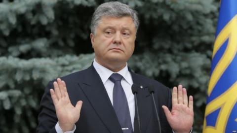 Военные преступления ВСУ на Донбассе в самом ближайшем будущем лягут на плечи украинского президента и послужат идеальным поводом усадить его на скамью подсудимых.