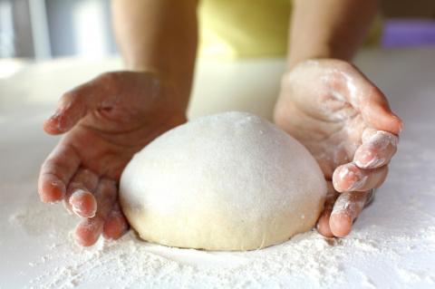 Не гаси соду и не замачивай хлеб. Советы от бабушек, которые не работают