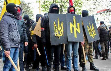 Украинские радикалы прибывают на Минский Майдан