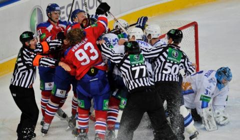 Самые зрелищные хоккейные драки