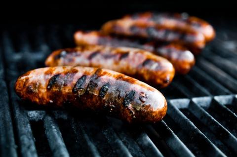 Колбаса и сосиски вызывают рак ! Не ешьте эти продукты и не давайте их детям!