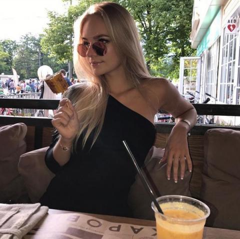 Елизавета Пескова на фото в …