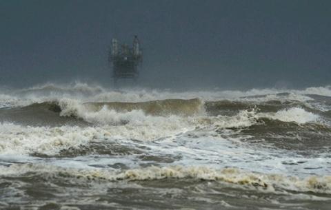 Ураган Харви взял в плен 20 …