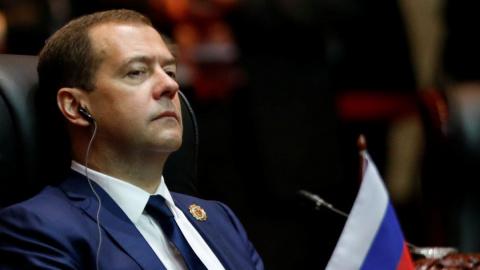 Чем Медведев отличается от А…