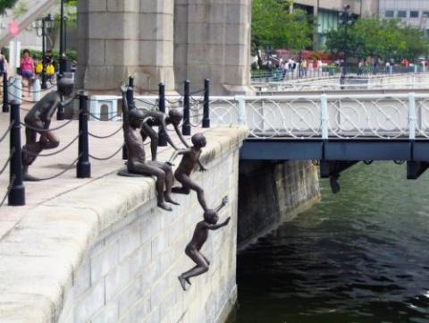 Необычные скульптуры со всег…