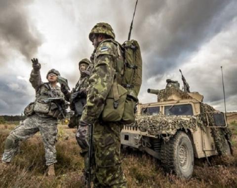 НАТО перебросило войска на в…