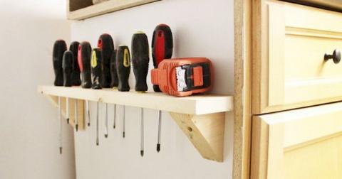 12 полезных советов, как навести порядок в гараже и сарае