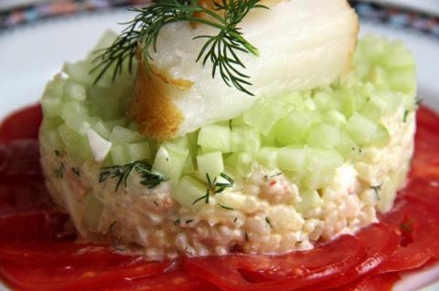 Салат с креветками и копченым палтусом. на 23 февраля