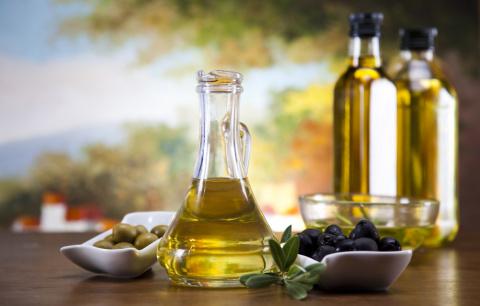 Оливковое масло и лимон и на…