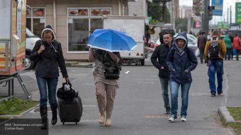МЧС предупредило москвичей о грозе, ливне и шквалистом ветре