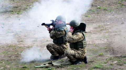 ЛНР: за сутки по республике выпущено 210 снарядов, ситуация обострилась