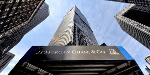 Американский банк заморозил …