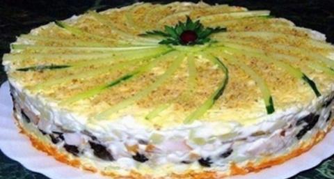 Салат торт № 1 в нашем мире:…