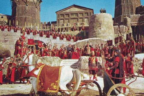 VIP-опрос: почему пала Римская империя?