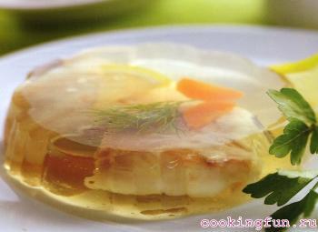 Заливное из судака с креветками