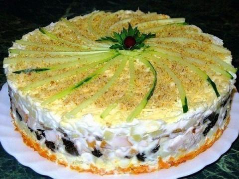 Слоеный закусочный торт с ко…