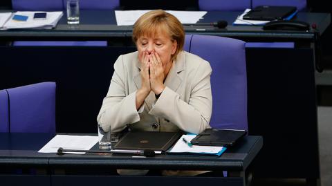 Бундестаг выступит против Меркель в вопросе об антироссийских санкциях