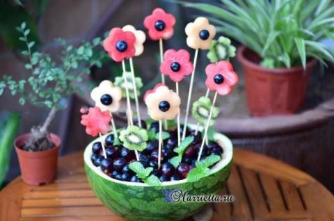 Праздничный десерт - арбузная ваза с цветами! Готовим суп в мультиварке - 6 рецептов