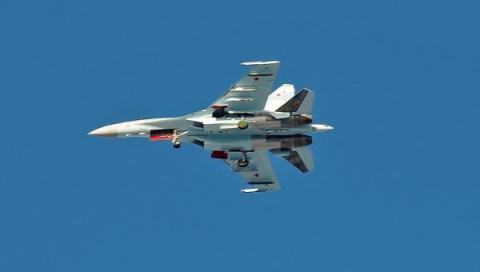 Еще 10 истребителей Су-35 дл…