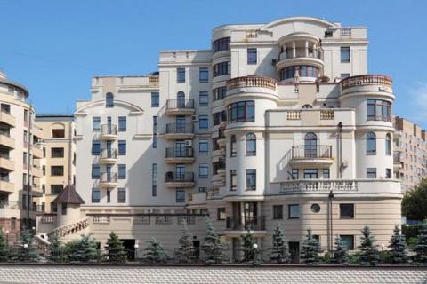 В Москве подешевело элитное жилье