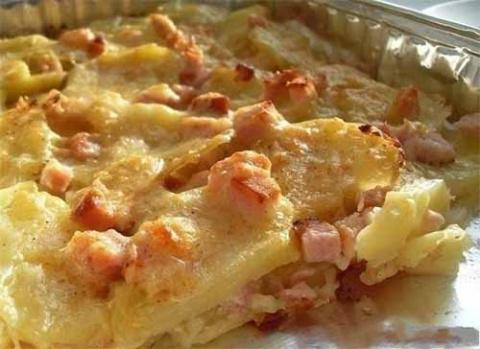 Картофель с сыром и карбонадом