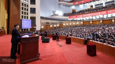 Игра, в которой нужно аплодировать Си Цзиньпину, стала хитом в Китае