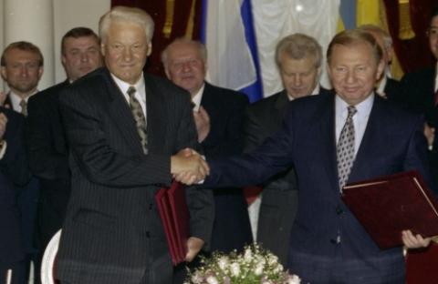 Украина считает выгодным существование договора о дружбе с Россией