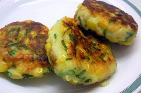 Вкуснейшие картофельные котлеты с чесноком и поджаренным луком