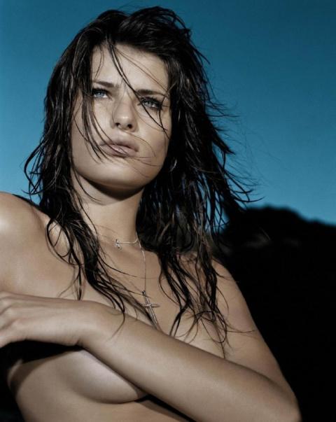 Изабели Фонтана  в фотосессии для официального календаря 2005