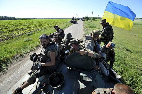 Украинские военные устали: Как ВСУ за деньги начали отступление под Мариуполем