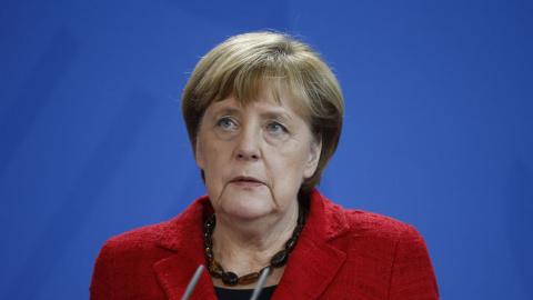 Меркель: Европа должна принимать участие в процессе мирного урегулирования в Сирии