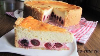Творожный пирог с черешней