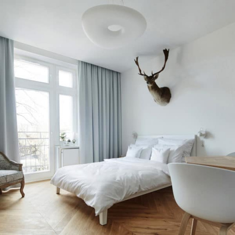 Крошечная квартира: 27 квадратных метров, где поместились кухня, столовая, спальня и черный санузел