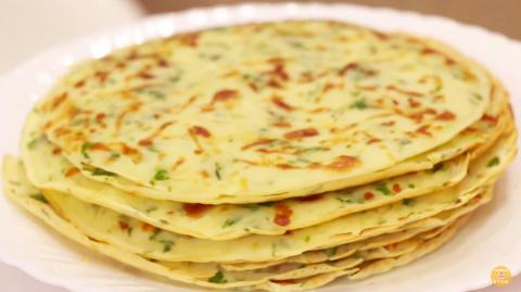 Вкуснейшие сырные блины с чесноком и зеленью