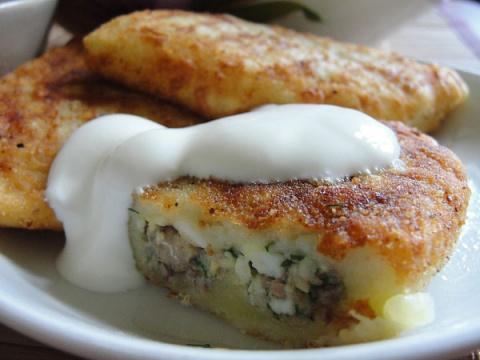 Вкуснейшие картофельные зразы с рыбными консервами