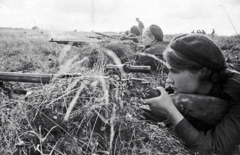 Портреты «Леди Смерть» и другие советские женщины-снайперы (1942-1945)