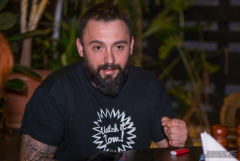Отбитый «АТОшник» объявил войну русскому языку в своем кафе