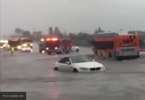 14 тысяч человек бегут от наводнения в Калифорнии
