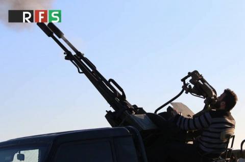 Су-24 ВКС РФ подвергся зенитному обстрелу в Сирии, но смог мгновенно уйти
