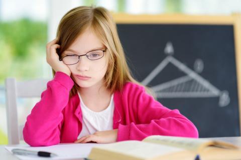 7 признаков того, что твой ребенок перегружен