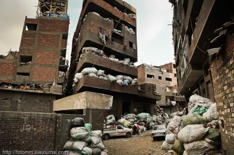 Город мусорщиков: грязь и вера