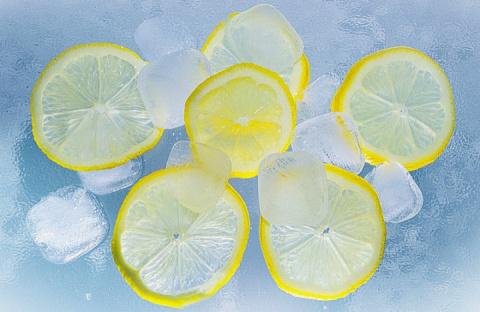 Замораживайте лимоны и попро…
