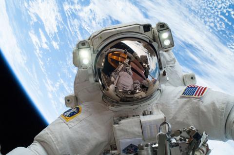 Что будет с человеком в космосе без скафандра
