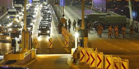 В Турции военный переворот: …