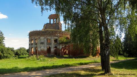 Церковь-ротонда в деревне Черепово