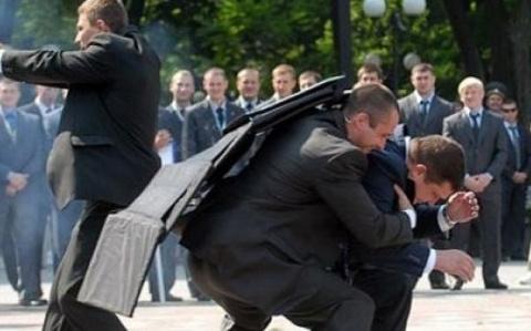Покушение на Порошенко: появ…