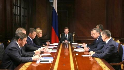 Медведев: на благоустройство…
