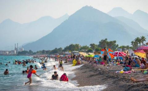 Эдуард Лимонов: Смерть на турецких курортах