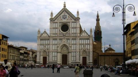Причиной смерти туриста во Флоренции стал упавший осколок с базилики Санта-Кроче